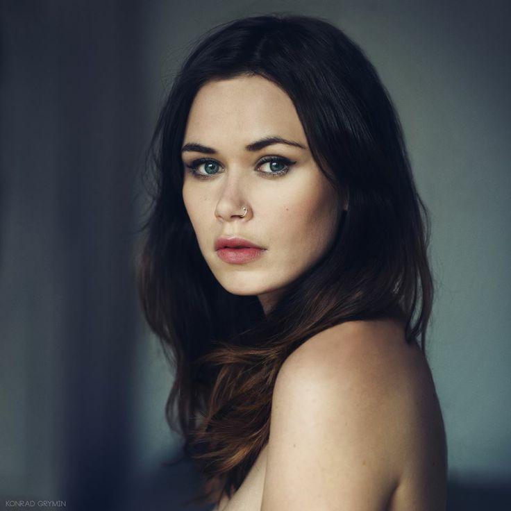Portrait by Konrad Grymin