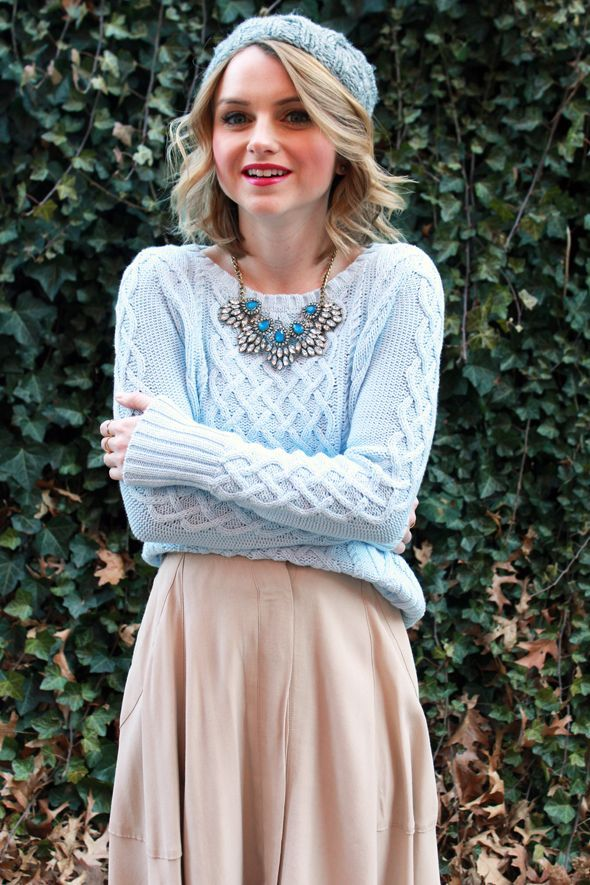 chunky sweater and necklace