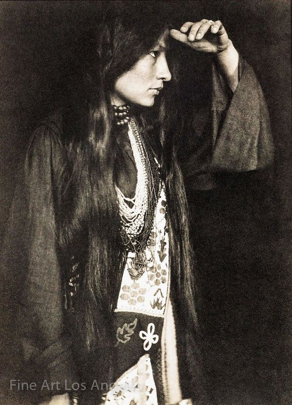 native american woman zitkala sa American indian stories (native american) zitkala-sa was a remarkable woman, especially for her time because she was a woman and an indian and her writings had.