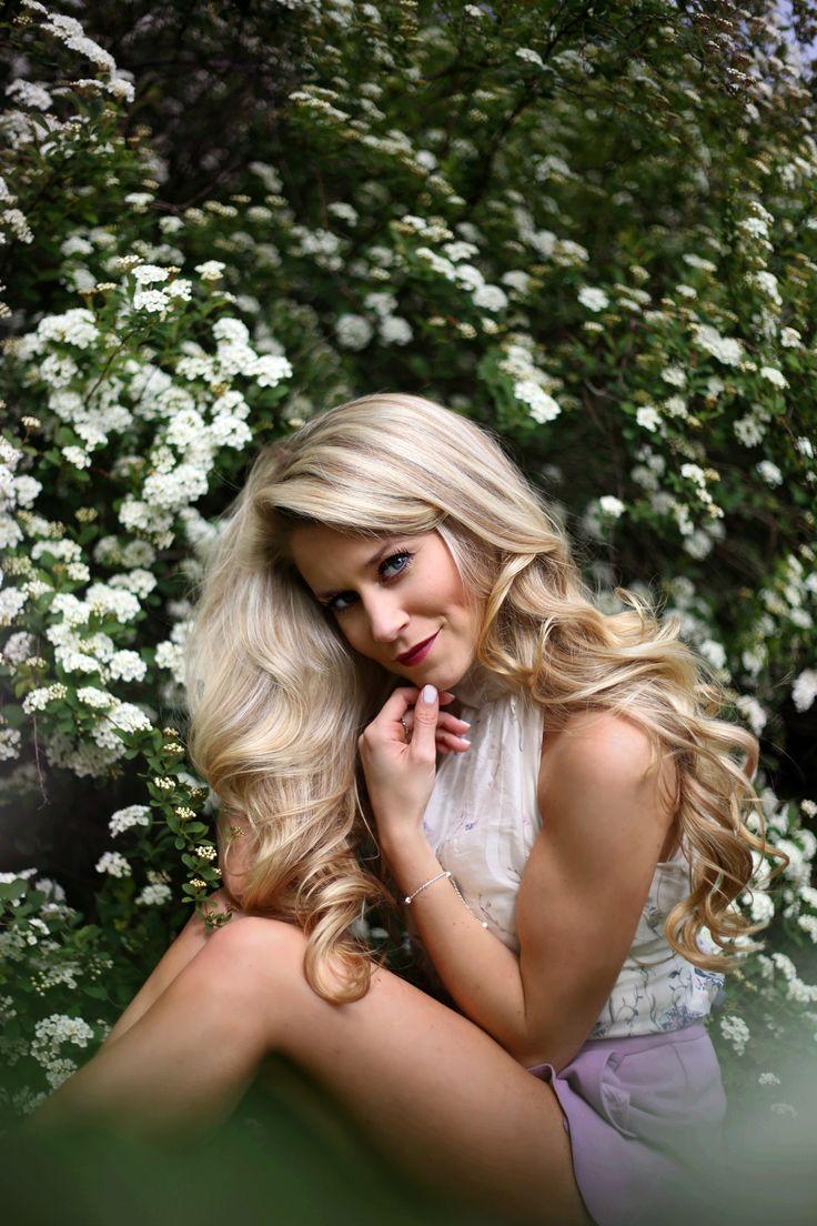 blonde curls via conair - OliviaRink.com