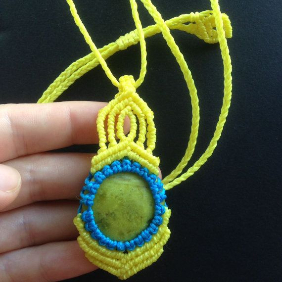 Serpentine Stone Colors Necklace Macrame, Pendant, Natural Stone and  Waxed Polyester Thread - Brazilian Quality