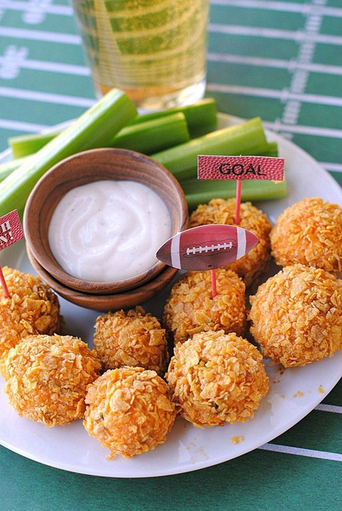 skinny buffalo chicken bites from eat yourself skinny :: 1 WW pt each or 126 cals/3 balls!