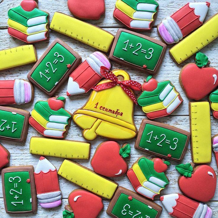 Подготовка к 1 сентября полным ходом ✏️#marvinveirman #royalicing #royalicingcookies #gingerbread #gingerbreadcookies #пряники #пряникиназаказ #пряникиимбирные #пряникиназаказкраснодар