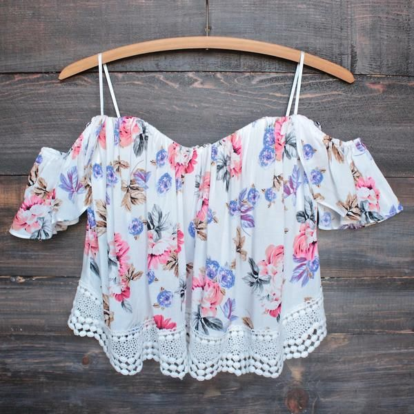 boho chic off the shoulder crop top with lace trim (more colors) - shophearts - 5