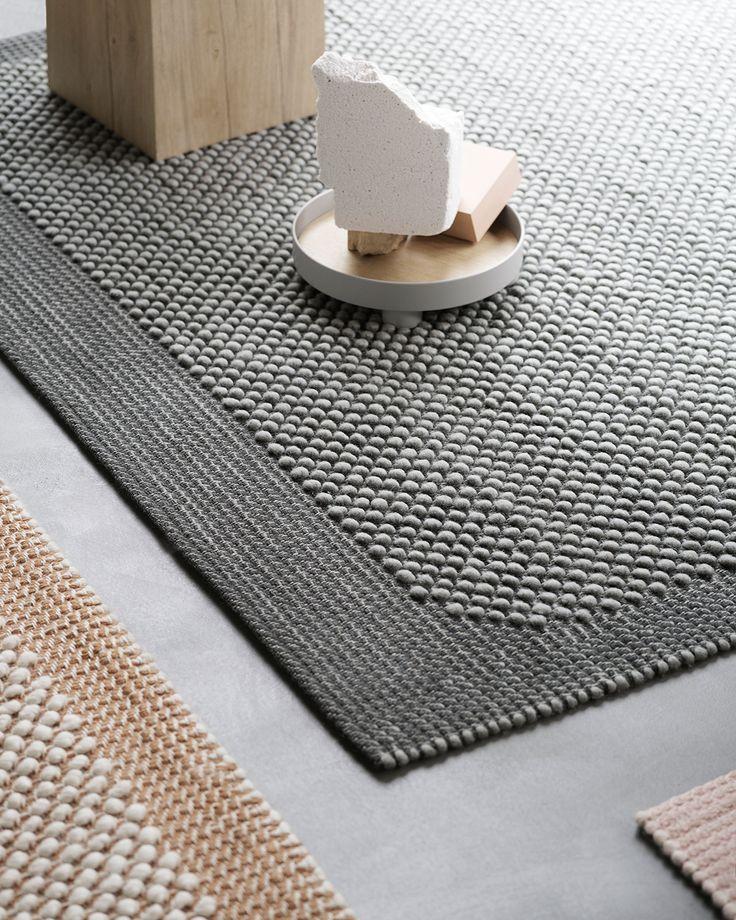 Moderner Skandinavischer Teppich Haus Dekor Inspiration Von Muuto Kieselstein Teppich Hat Eine V Teppich Teppich Skandinavisch Gemusterte Teppiche