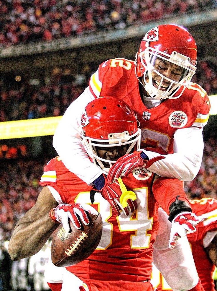 Demetrius Harris & Albert Wilson celebrating Demetrius Harris' first NFL touchdown.