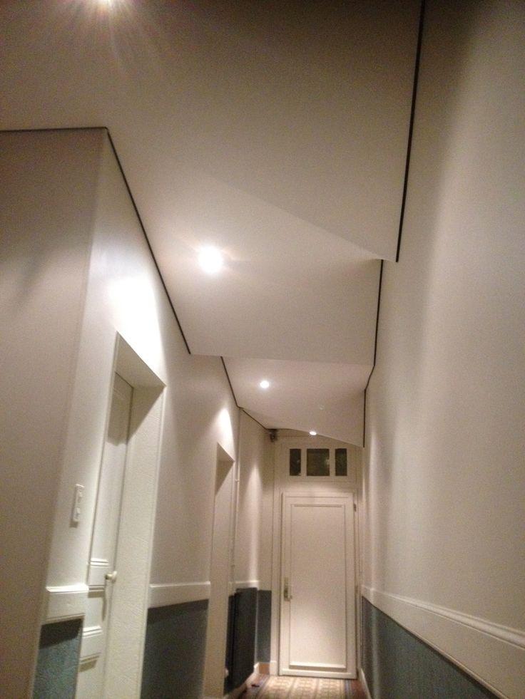 Les 25 meilleures id es de la cat gorie plafond tendu sur for Faux plafond simple salon