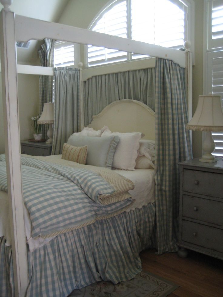Country Bedroom In With Blue Gingham Linen Shabby Chic