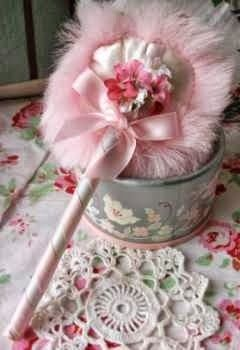 Vintage powder puff. I want one like this !!!~