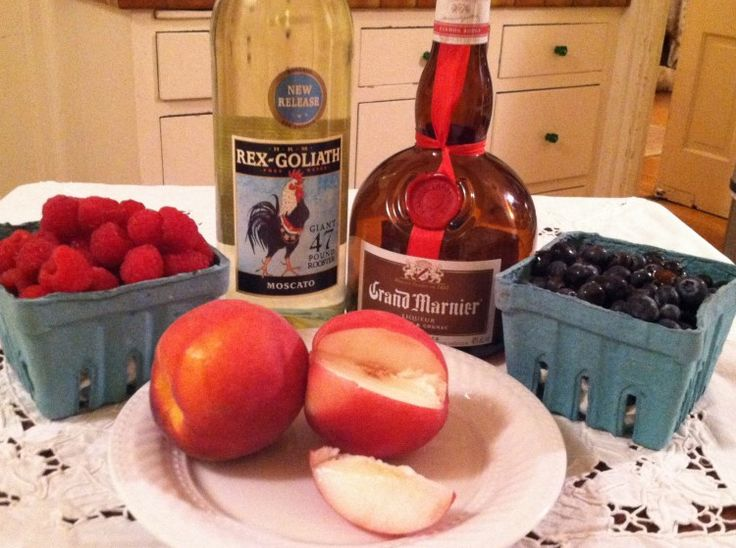 4th of July Sangria ingredients and recipe