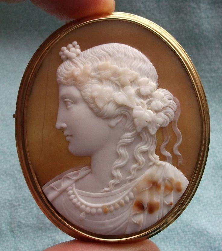 Antique Cameos: old victorian, shell, coral and hardstone cameos, vintage jewellery