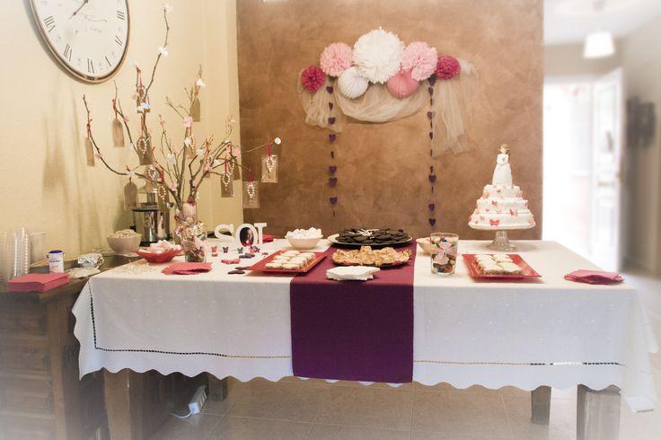Mesa dulce en tonos Rosa y Marrón.  Realización de recordatorios y decoración de mesa dulce. Pide presupuesto a detallescolibri@gmail.com +info www.detallescolibri.com