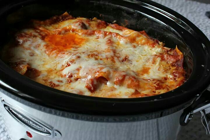 Crockpot Lasagna- Ingredients: 1lb Ground bf Lasagna noodles 1 jar spaghetti sauce 1 1/2 c cottage cheese 1 1/2 c shredded Mozzarella cheese 2 tbs grated Parmesan cheese. Directions: Brown ground bf and drain. Spoon 1 c spaghetti sauce in bottom of 4 qt crock pot. Mix remaining sauce with bf. Place 2 uncooked noodles on sauce in crockpot. Spread 1/3 meat.Spread 3/4 c cottage cheese. Sprinkle 1/2 c mozzarella cheese. Add 2 more layers. Sprinkle Parmesan cheese over top. Cook on low for 4 hrs.