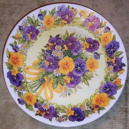 "Тарелка  ""Букет виол"". Handmade. Мастер Елена Сухенко."