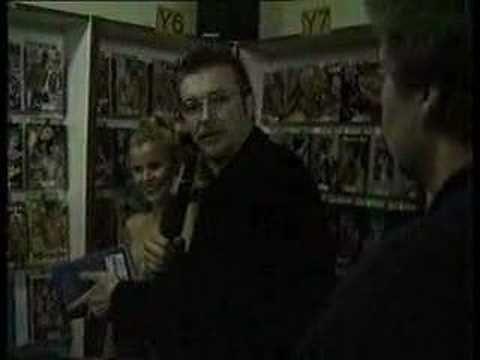 Niels Ruf in Pornovideothek