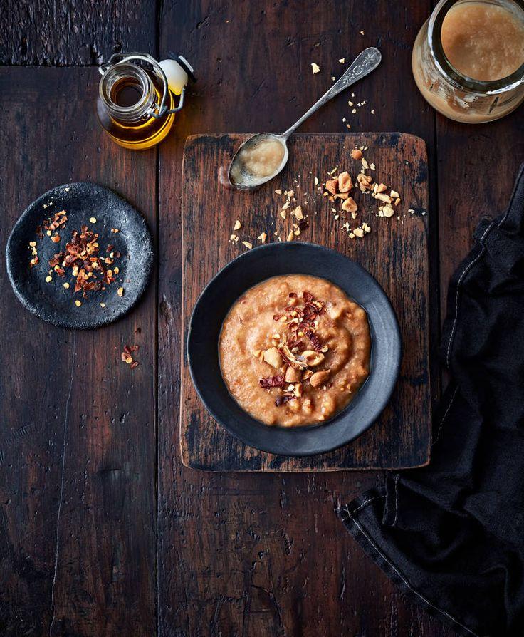 Rajamäen Maapähkinävoi-omenamarinadi sopii erityisen hyvin kasvisten marinointiin.