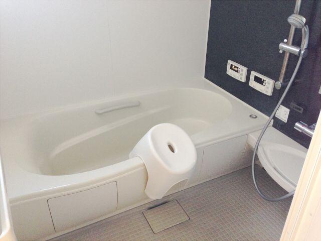 お風呂の壁や床 汚れが目立たないのはこんな色 お風呂 風呂 壁