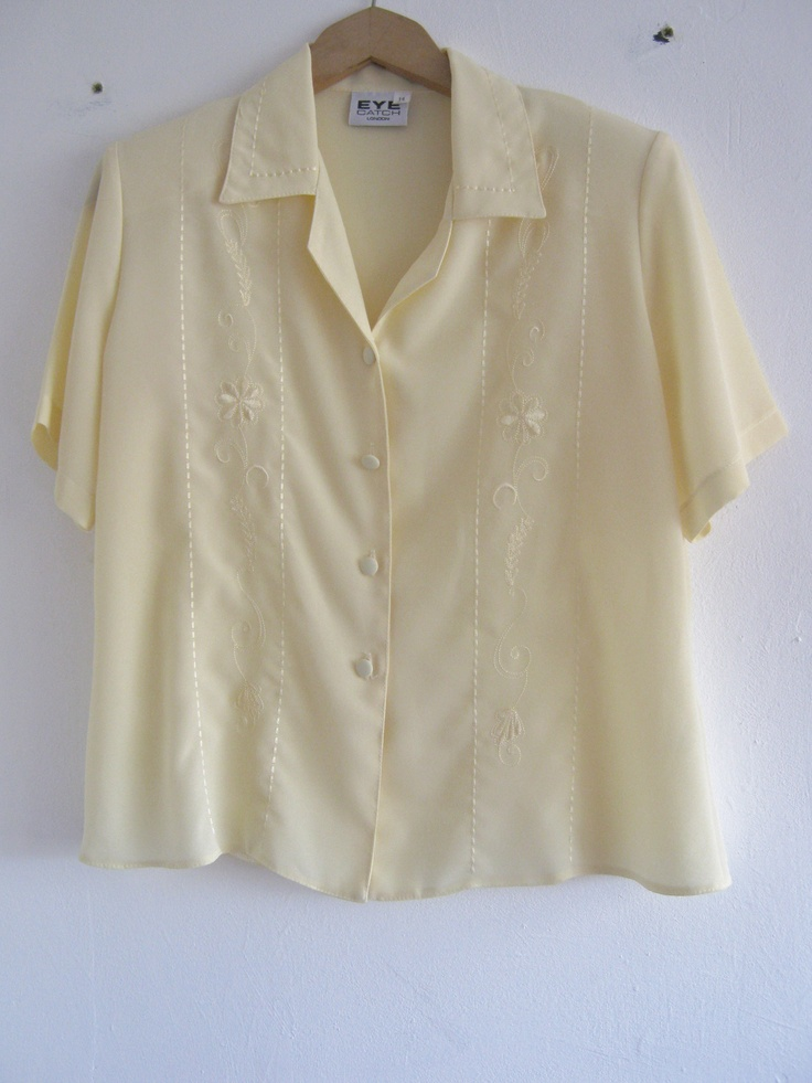 Lemon vintage blouse with embroidery. E-mail blackhousethriftage@gmail.com for more information on buying, or buy at the following link! https://www.facebook.com/photo.php?fbid=393256550788405=a.390234387757288.1073741828.357110221069705=3