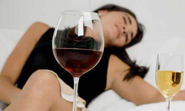 Anda suka konsumsi minuman alkohol?. Kini saatnya anda mulai memikirkan beberapa jenis penyakit berbahaya karena minuman beralkohol yang cukup mematikan dan membahayakan organ tubuh. Memang tidak semua minuman beralkhohol tidak membahayakan keehatan kita asal dalam kadar yang aman. Dibeberapa negara menjadikan minuman beralkohol sebagai minuman yang membantu menghancurkan racun dalam tubuh, tetapi memang dalam kadar …