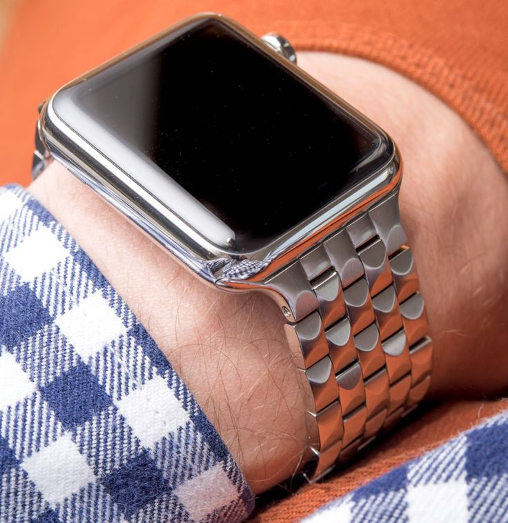 "Juuk Locarno Apple Watch Bracelet Review - by David Bredan - There are plenty of alternatives to the stock Apple bands. Check out this 5-link bracelet at: aBlogtoWatch.com - ""Yes, the Juuk Locarno bracelet is an Apple Watch accessory and, yes, there's a Kickstarter project you can back (though it is in fact available for purchase already)... You see, I felt that this disclaimer was necessary because I am well aware how 'Apple Watch' and 'Kickstarter' are trigger words..."""