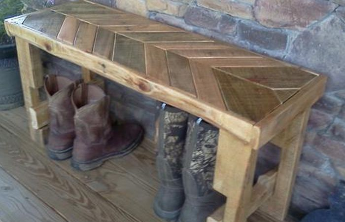 9 best images about living room ideas on pinterest for Diy pallet bench instructions