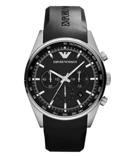 Montre ARMANI homme chronographe, bracelet caoutchouc noir armani, cadran avec dateur et petite seconde.