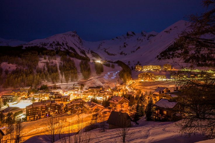 La Foux d'Allos village at night