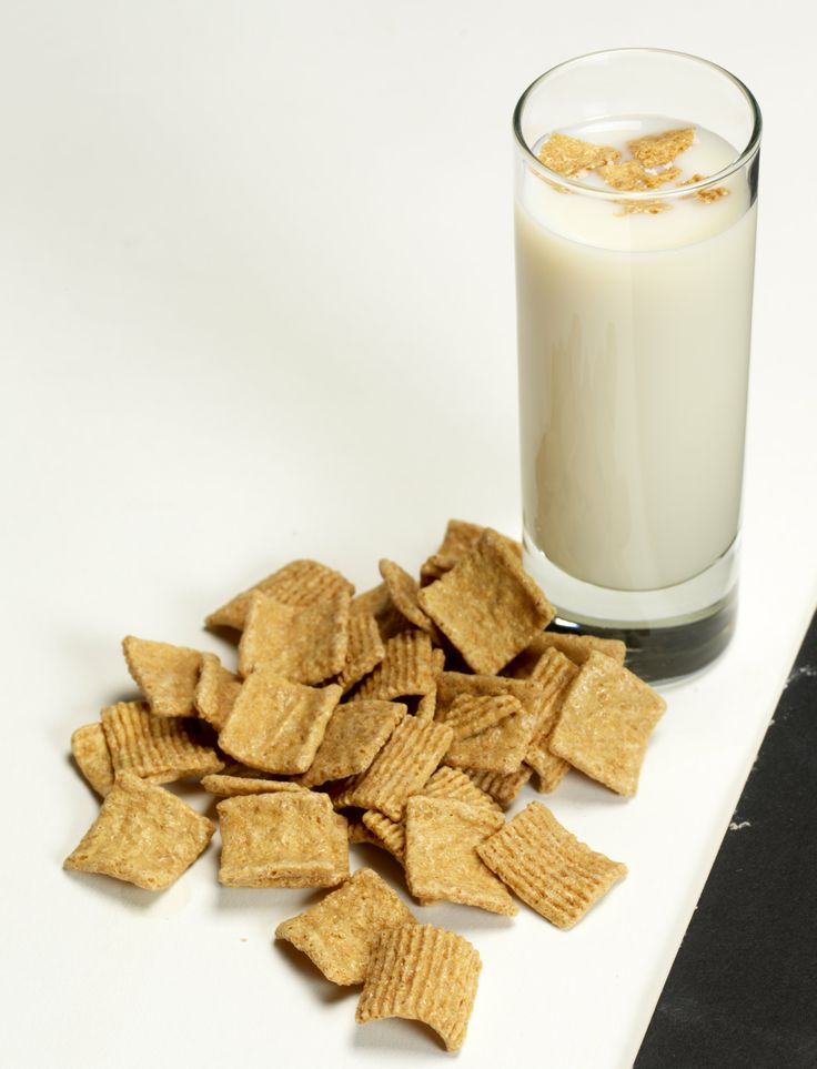 GOLDEN CINNAMON GRAHAMS: 3 parts RumChata, 1 part Goldschlager -  Shake with ice and strain into shot glass.