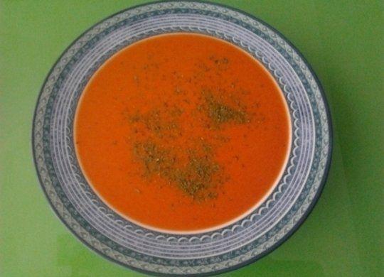Ingredientes: Aceite de oliva virgen, Cebolla 1 cebolla grande, si es dulce mejor, Pimientos asados 4 pimientos rojos grandes asados, unos 700 g, Hari...