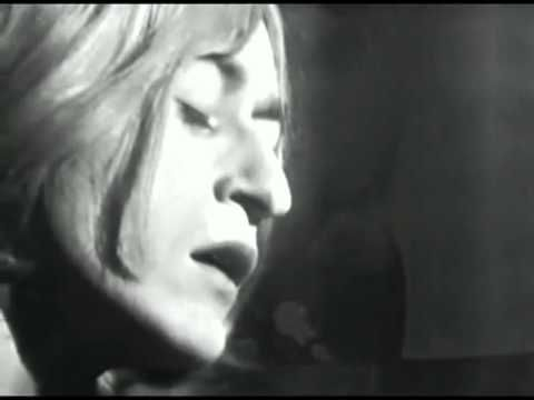 ▶ Michel Polnareff:Love me, Please Love Me live in 1966 on French TV - YouTube