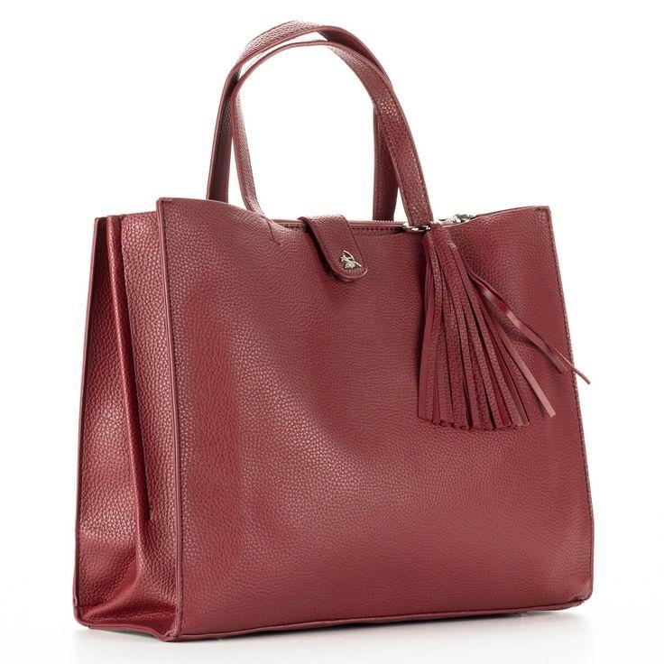 Bordó Diana & Co női táska. Belsejét egy középen található cipzáros rekeszel osztja ketté. Hosszú vállpánt tartozékként jár a táskához  #bags #fashionbags