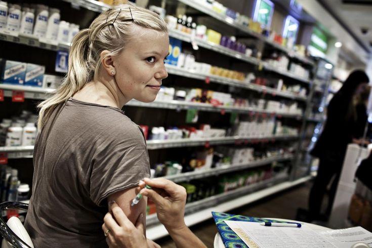 HPV-vaccine. overlæge i immunologi, der får opbakning fra internationale eksperter. Han anklager samtidig styrelsens direktør, Søren Brostrøm, for videnskabelig uredelighed.