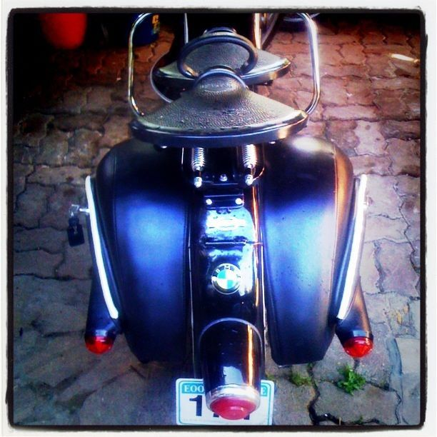 #cool #BMW #saddle #bags #motorcycle #customizing #restoring #royal #enfield  By  https://www.facebook.com/tryfonast