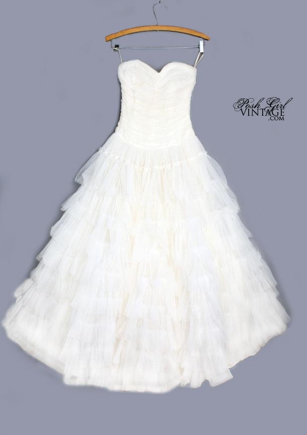 56 best For the Bride + Girls images on Pinterest | Wedding frocks ...