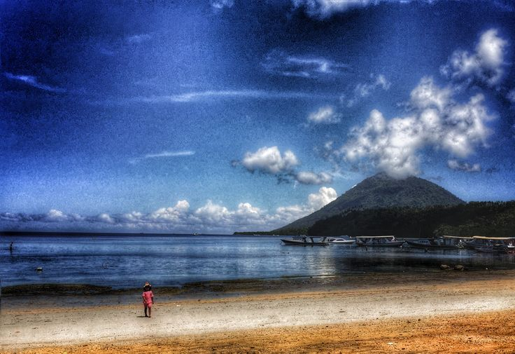 Main beach on Bunaken Island