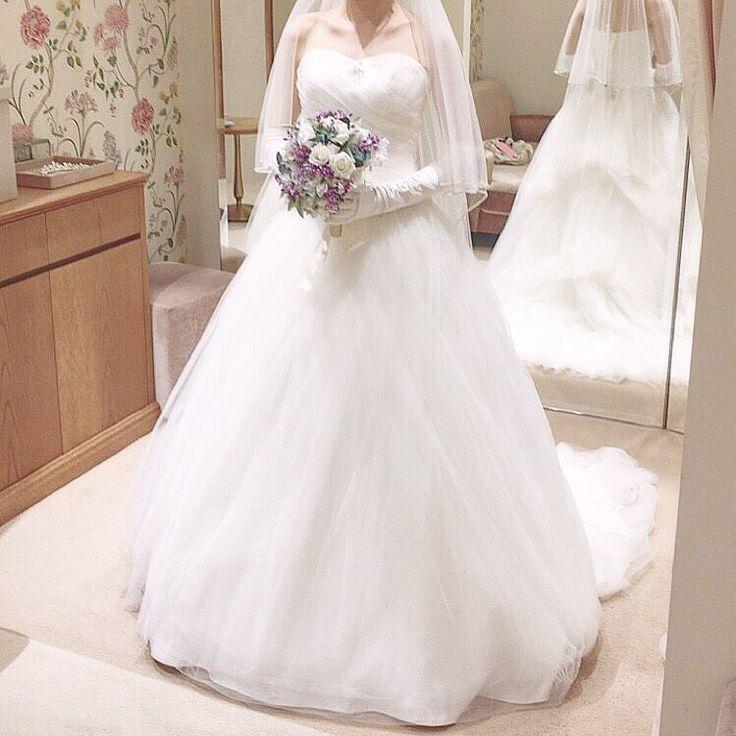 ドレス試着⑨. . 全体がふわふわドレス�� ハートカットかわいい��. . #2017秋婚 #結婚 #結婚式 #ウェディング #ウェディングドレス #プレ花嫁 #wedding #weddingdress #婚約 #日本中のプレ花嫁さんと繋がりたい #全国のプレ花嫁さんと繋がりたい #結婚準備 #結婚式準備 #marry花嫁 #フィオーレビアンカ #茨城花嫁 #熊本ウェディング http://gelinshop.com/ipost/1516966952849120599/?code=BUNWWgIlB1X