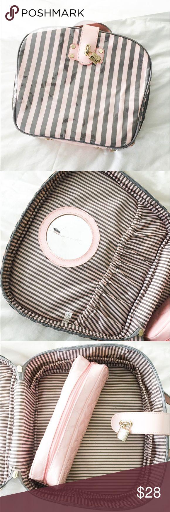 VS Makeup Bag Victoria Secret train case / make up case Victoria's Secret Bags Cosmetic Bags & Cases