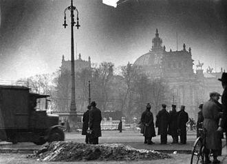 Incendie du palais du Reichstag le 28 février 1933.