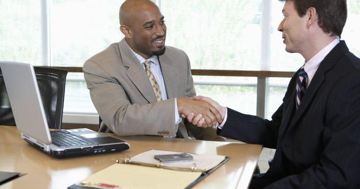 Aspectos importantes en un plan de negocios. Al iniciar un nuevo negocio, es esencial que tengas un buen plan de negocios en su lugar. Tu plan de negocios te da la dirección y proporciona un marco para los miembros internos de la organización. Juega un papel importante en tu capacidad para atraer a los inversores externos. La ausencia de un plan de negocios bien pensado puede significar un ...