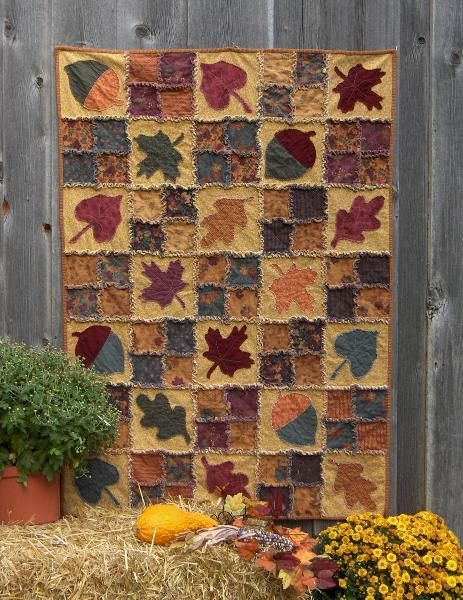 """I absolutely love this... Fall is my FAVORITE time of year. ..autumn rag. it is made using the """"rag"""" quilting technique:"""