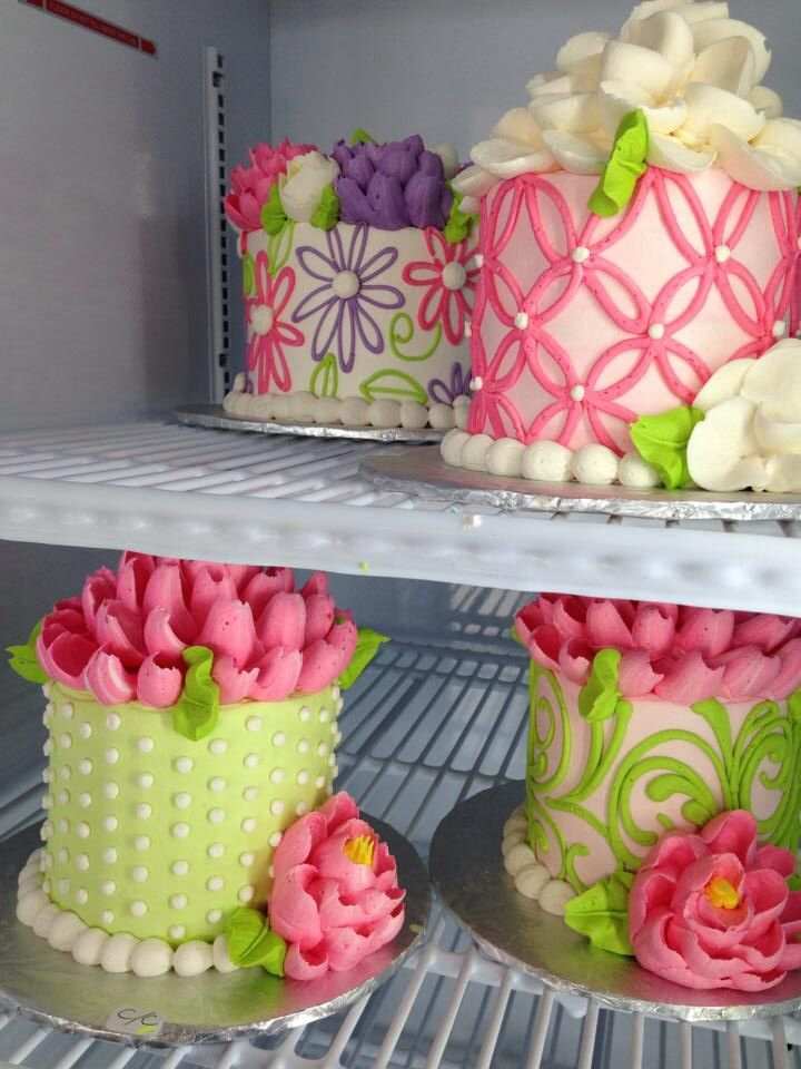 Cake Decoration Buttercream : Best 25+ Buttercream cake designs ideas on Pinterest ...
