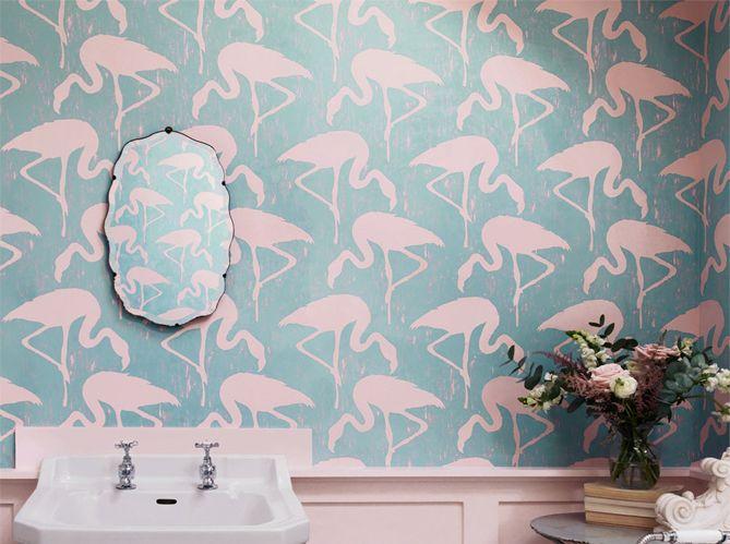 Papier peint flamant rose ! http://www.m-habitat.fr/murs-facades/revetements-muraux/le-papier-peint-mural-914_A: