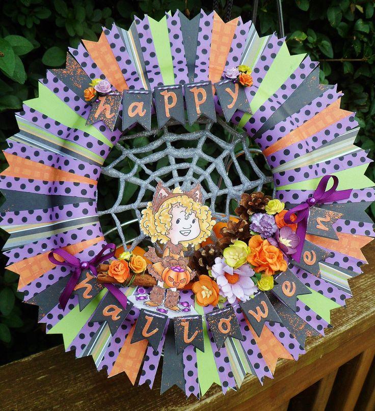 Halloween wreath.  Crafty Sentiments Designs 'Halloween outfit' digi image.