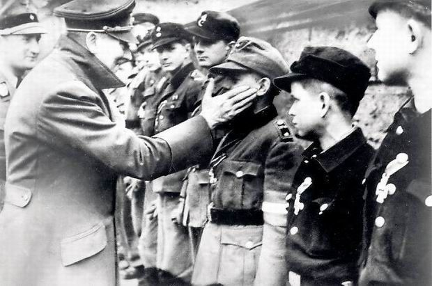 Adolf Hitler, 1945