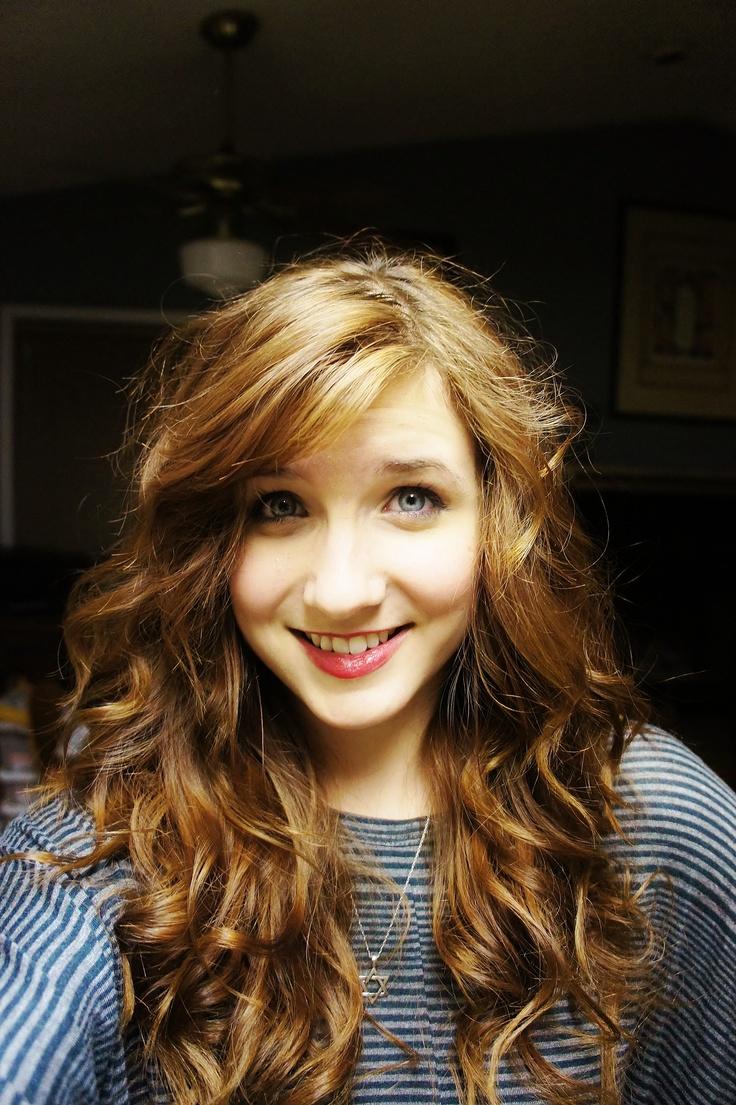 Tween look featuring red curly hair