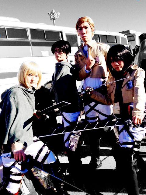 昨年は「進撃の巨人」が世界でブレイクしましたね。調査兵団がいたるところにいました。立体起動装置カッコイイ!|Much investigation army corps!  (スタンプ/部分ぼかし) iPhone:https://itunes.apple.com/jp/app/qtiie.jp/id687208189