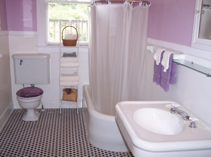 a little purple bathroom with cute vintage fixtures iu0027m not sure thatu0027s the right shade for the wall given the color of the tile but itu0027s a purple