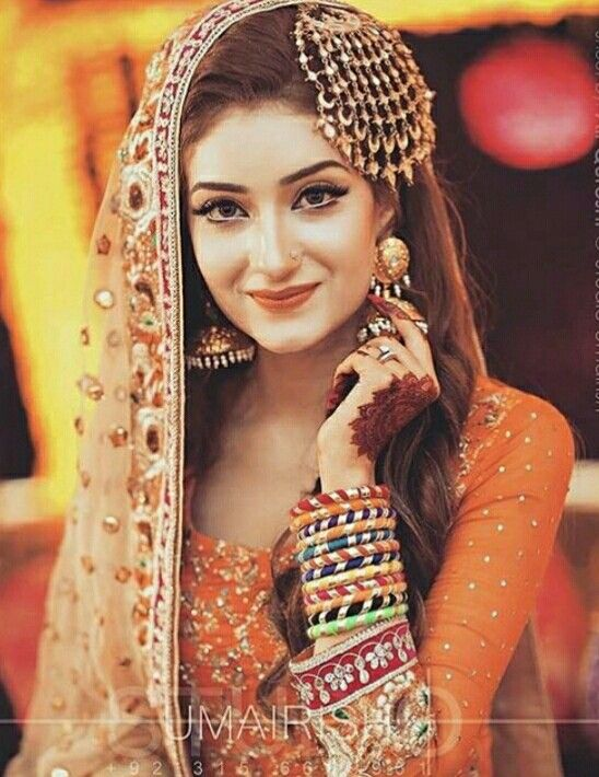 I'm so inlove with her jewellery and the whole cute bridal look  <3 even the makeup