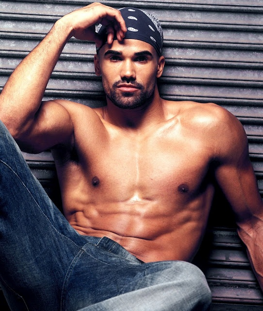 Criminal Minds... TONIGHT! Whoop! LOVE Shemar Moore!