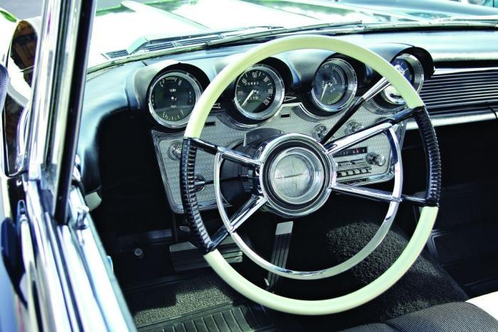 1960 Lincoln Continental Dash